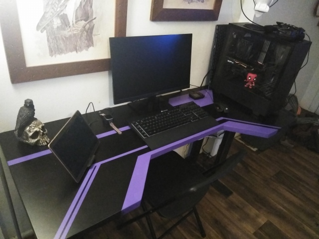 PC_Desk_152_22.jpg