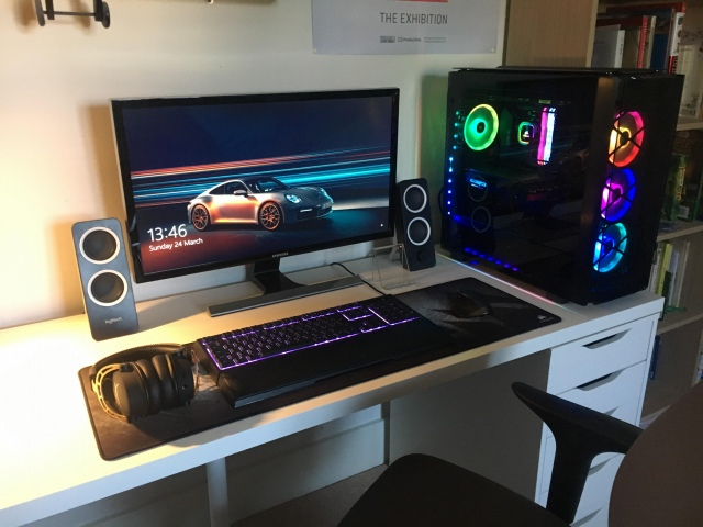 PC_Desk_152_31.jpg