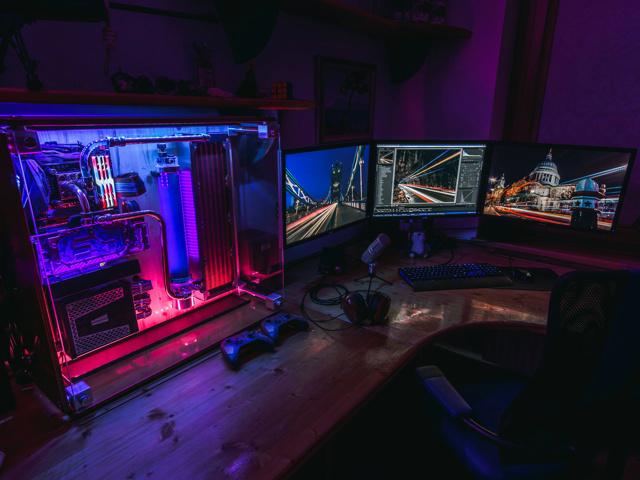 PC_Desk_152_33.jpg