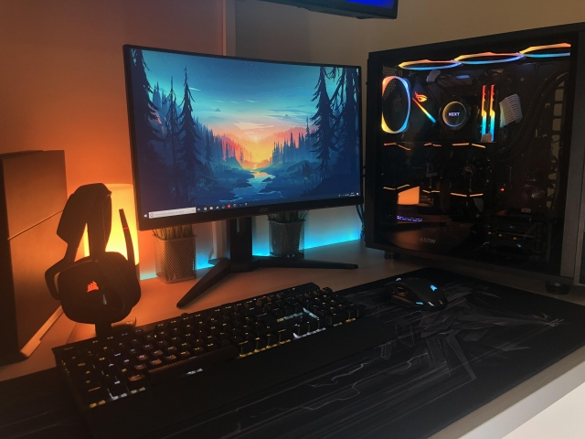 PC_Desk_152_50.jpg
