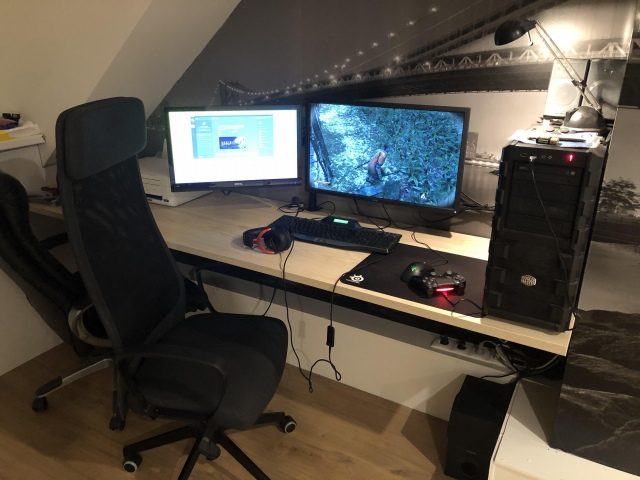 PC_Desk_152_51.jpg