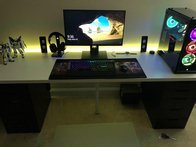 PC_Desk_153_18.jpg