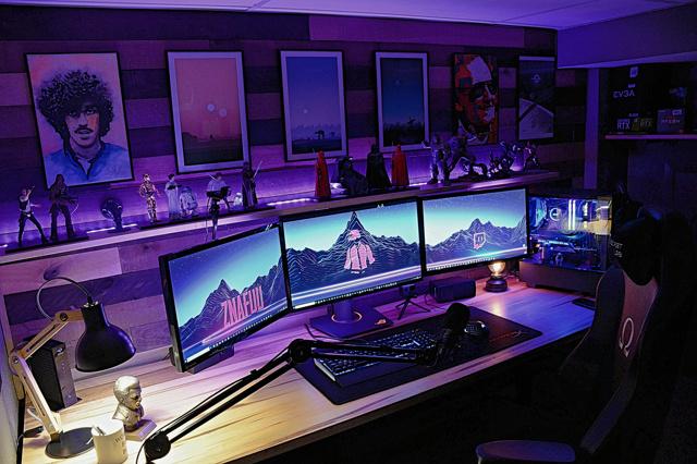 PC_Desk_153_35.jpg