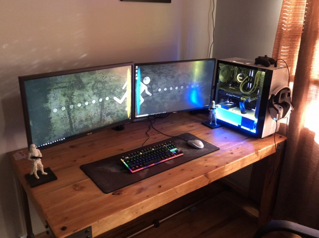 PC_Desk_153_40.jpg