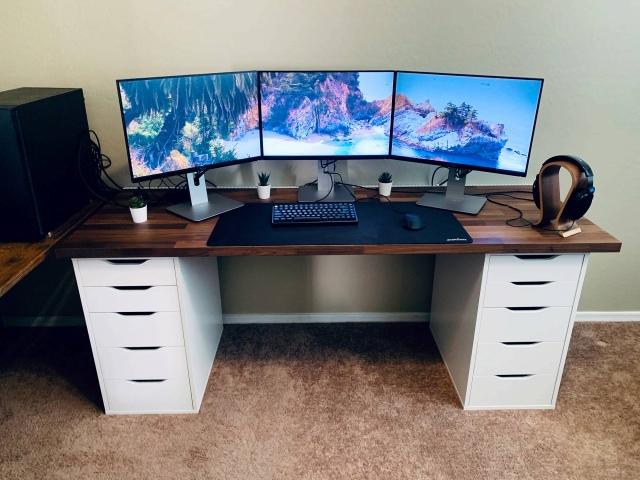 PC_Desk_153_44.jpg