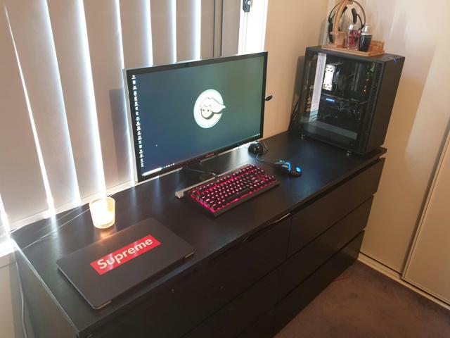 PC_Desk_153_70.jpg