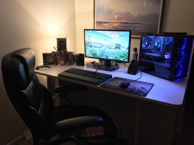 PC_Desk_154_06.jpg