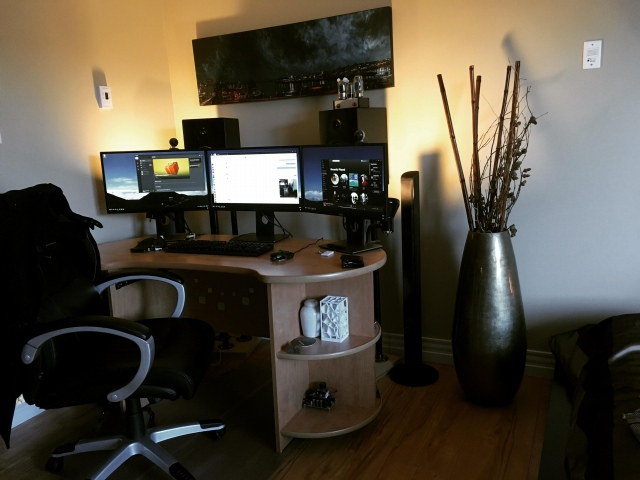 PC_Desk_154_22.jpg