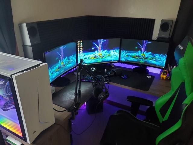 PC_Desk_154_51.jpg