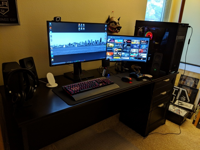 PC_Desk_154_67.jpg
