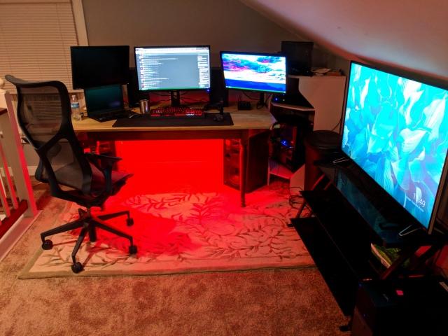 PC_Desk_154_75.jpg