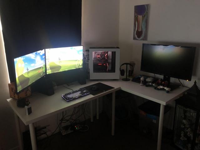 PC_Desk_155_12.jpg