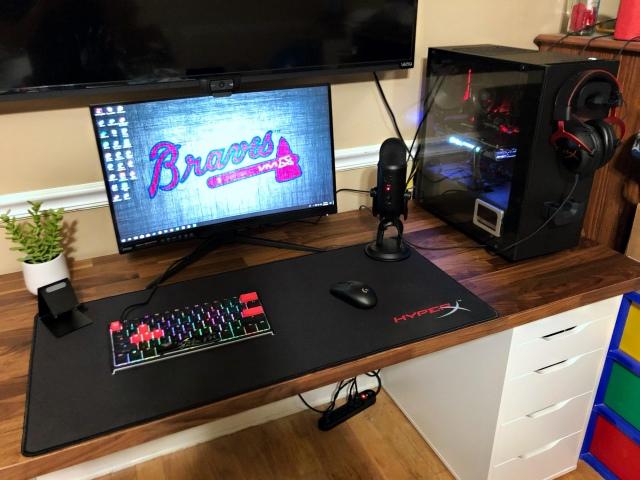 PC_Desk_155_14.jpg