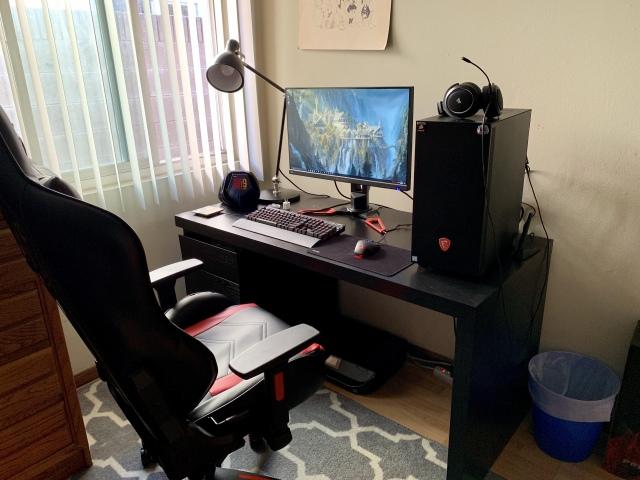 PC_Desk_155_20.jpg