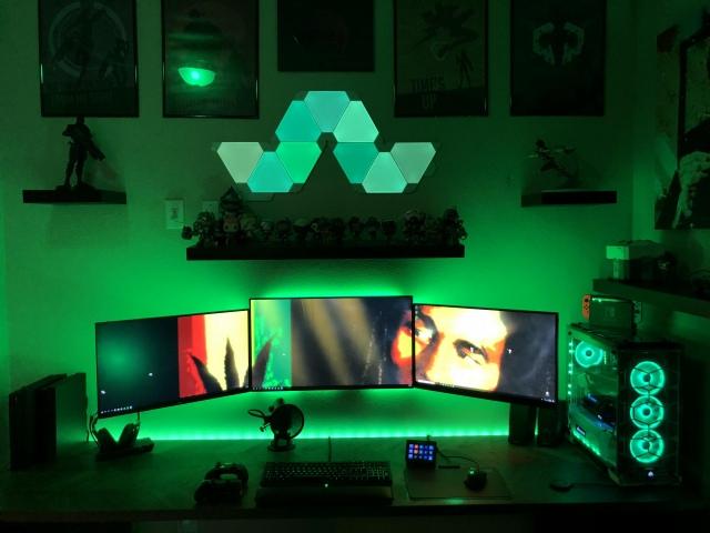 PC_Desk_155_24.jpg