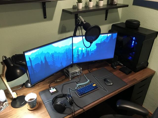 PC_Desk_155_29.jpg