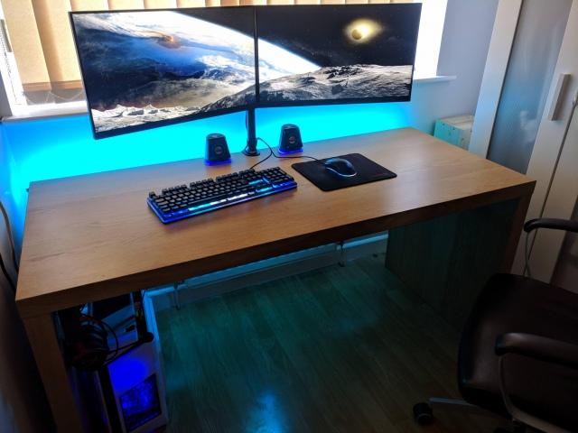 PC_Desk_155_36.jpg