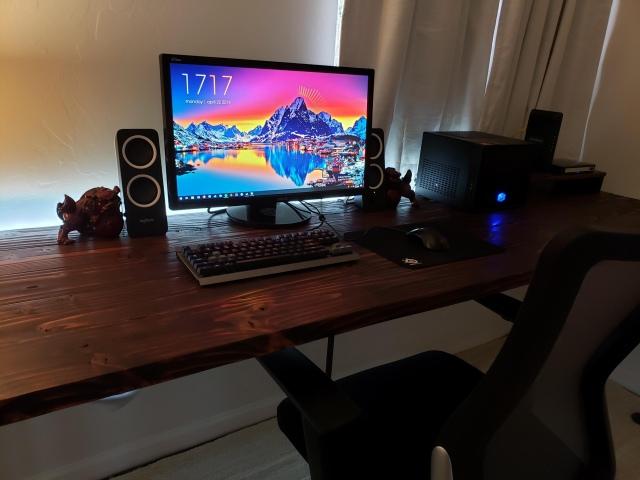 PC_Desk_155_55.jpg
