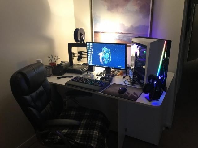 PC_Desk_155_58.jpg