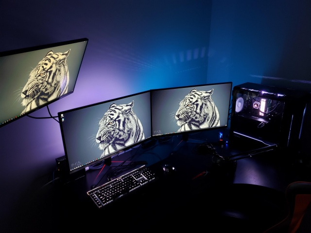 PC_Desk_155_75.jpg