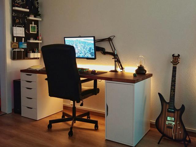 PC_Desk_155_91.jpg