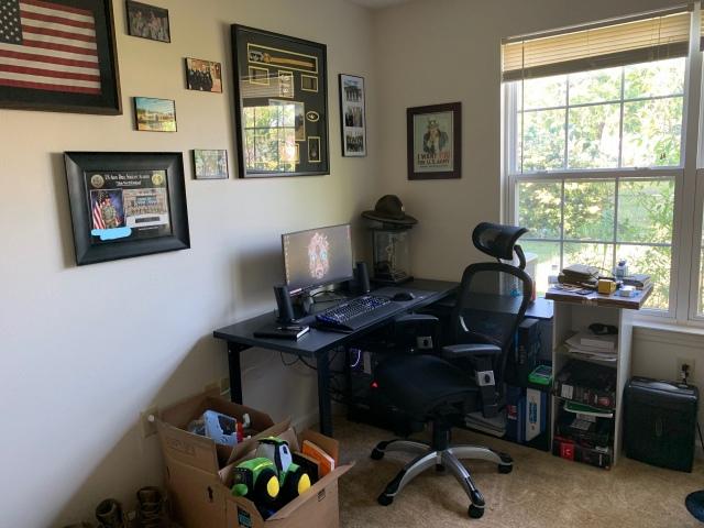 PC_Desk_156_06.jpg