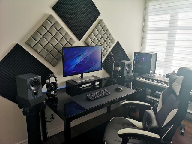 PC_Desk_156_100.jpg