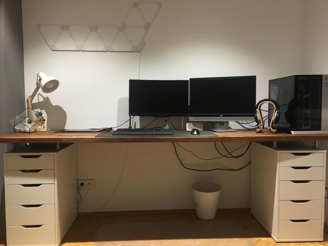 PC_Desk_156_16.jpg