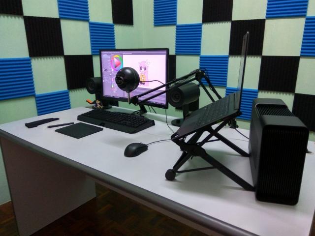 PC_Desk_156_22.jpg