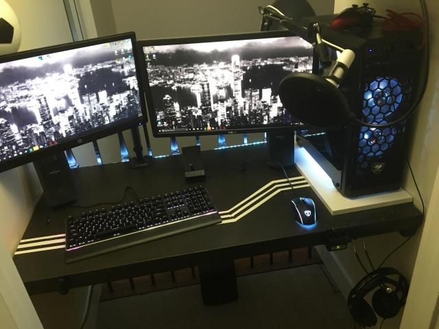 PC_Desk_156_35.jpg