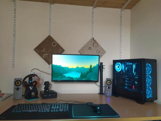 PC_Desk_156_57.jpg