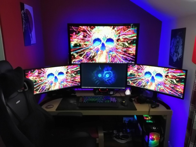 PC_Desk_156_61.jpg