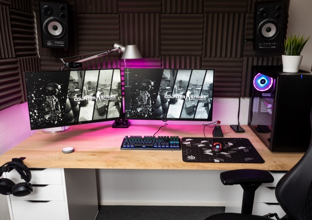 PC_Desk_156_62.jpg