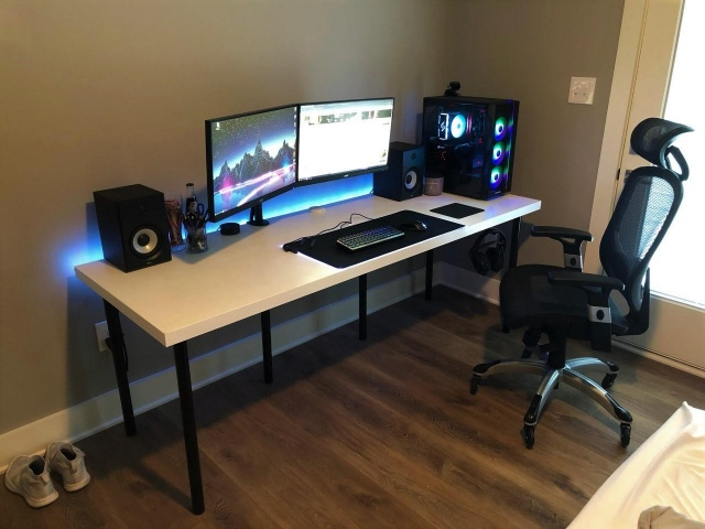PC_Desk_156_63.jpg