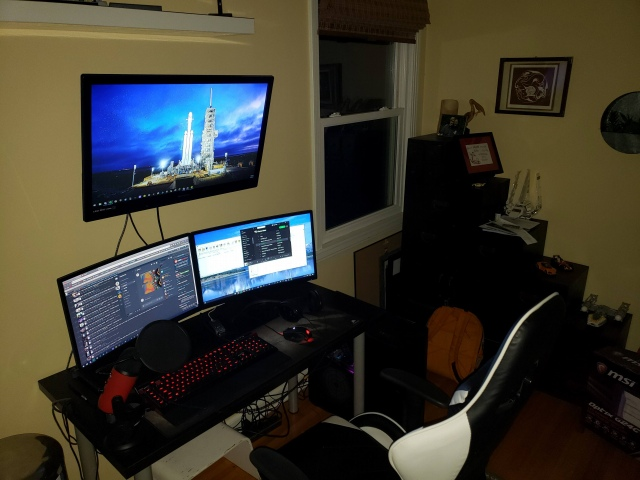 PC_Desk_156_85.jpg