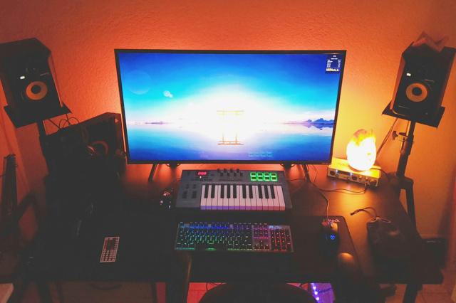 PC_Desk_156_88.jpg
