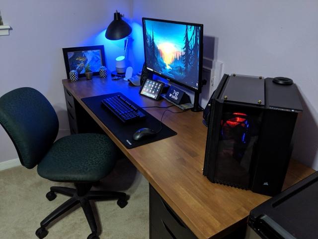 PC_Desk_156_97.jpg