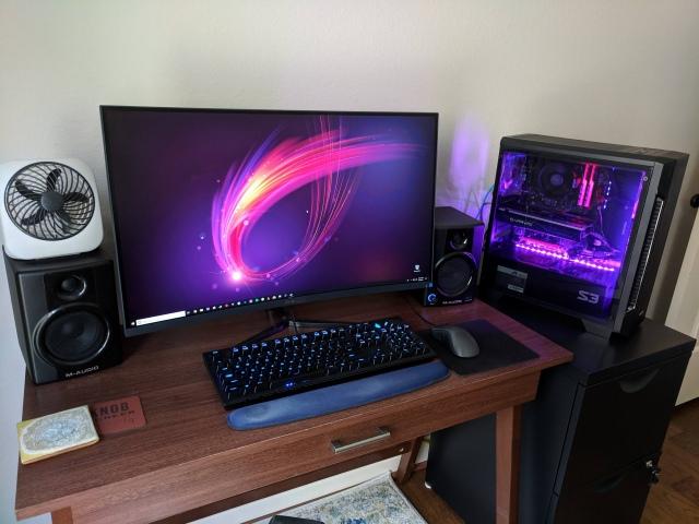 PC_Desk_157_07.jpg