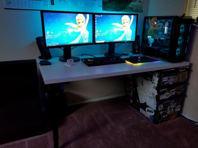 PC_Desk_157_13.jpg