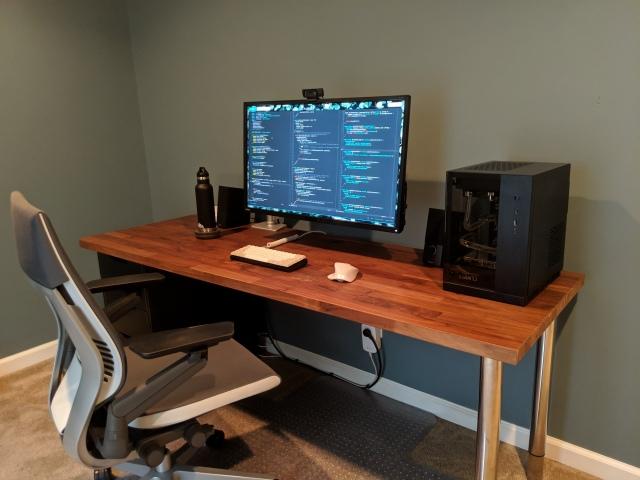 PC_Desk_157_19.jpg