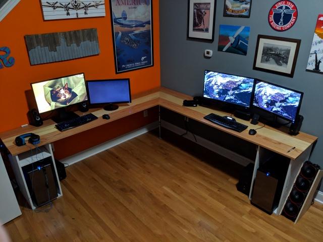 PC_Desk_157_32.jpg