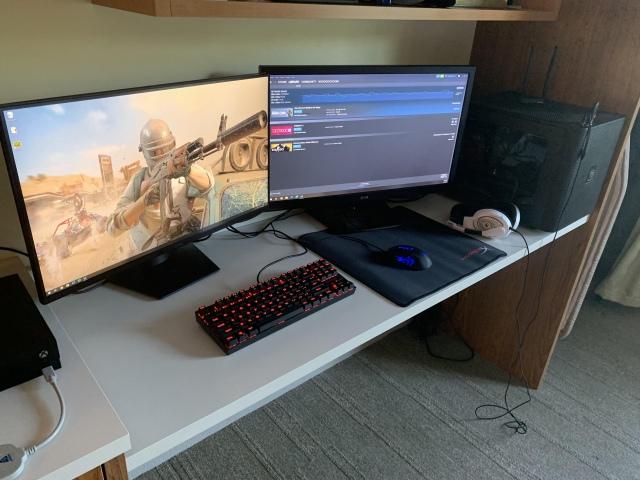 PC_Desk_157_38.jpg