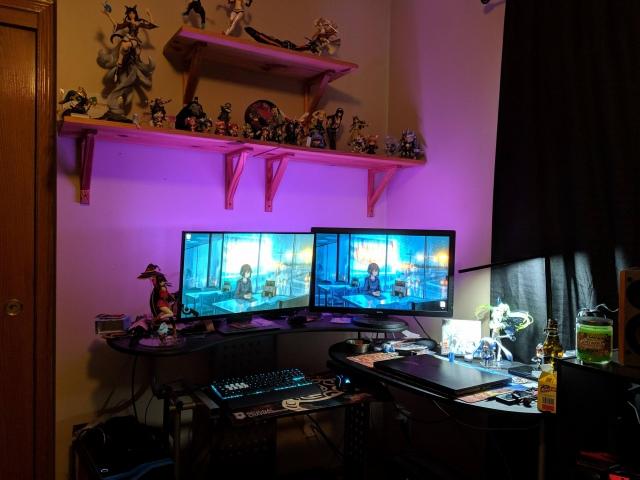 PC_Desk_157_42.jpg