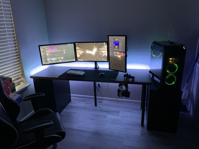 PC_Desk_157_75.jpg