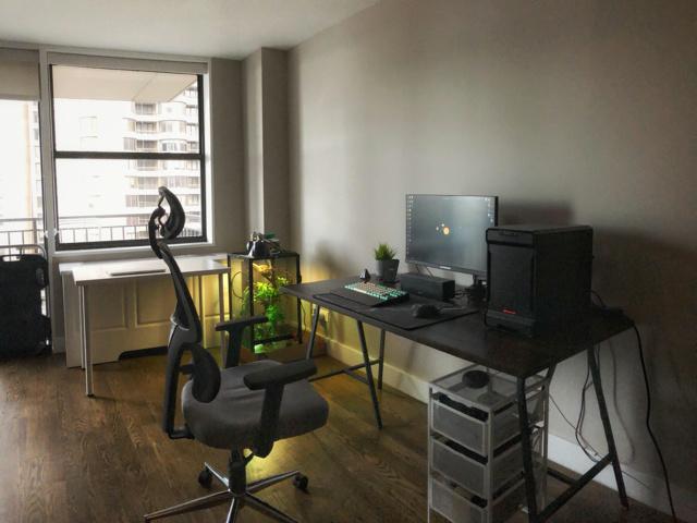 PC_Desk_157_76.jpg