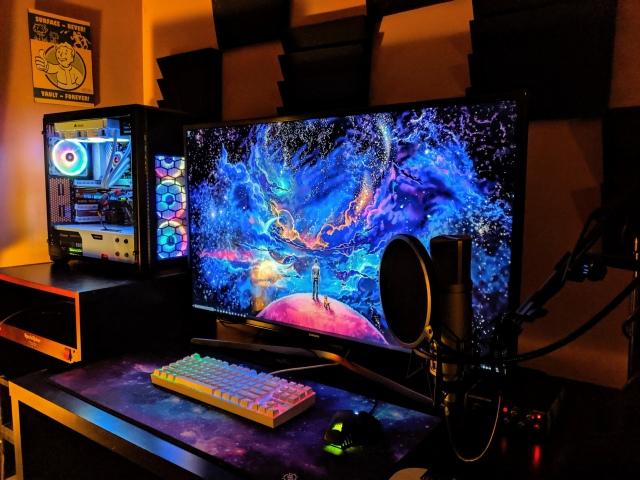 PC_Desk_157_79.jpg