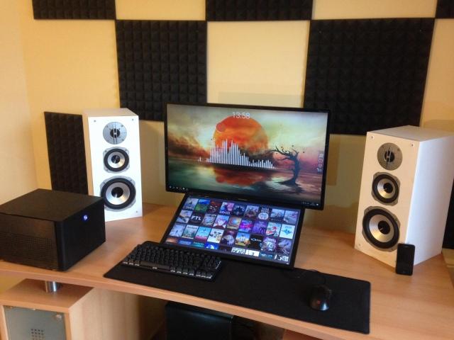 PC_Desk_157_90.jpg