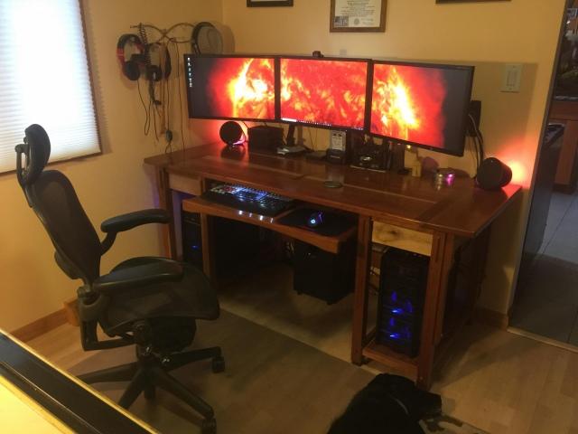 PC_Desk_157_93.jpg
