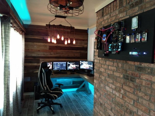 PC_Desk_157_94.jpg