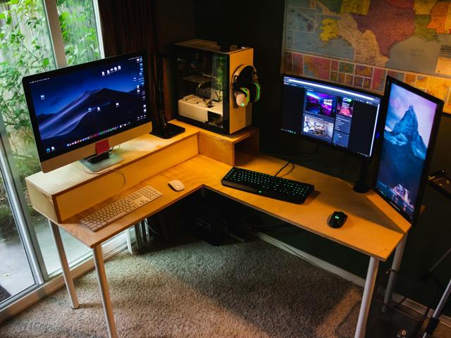 PC_Desk_157_95.jpg